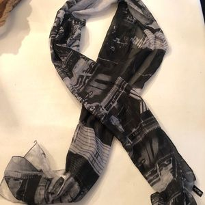 NWOT Semi Sheer Black & White Print Scarf